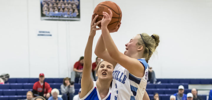 Maggie Galentine Louisville Leopards Girls Basketball Vs. Lake Blue Streaks 2018
