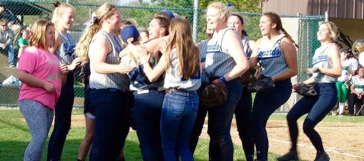 Louisville Leopards Varsity Softball 2016 Win Over West Branch